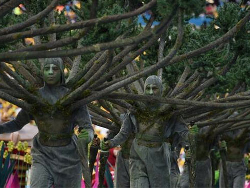 World Cup Opening Ceremony Features...Dancing Fruits & Veggies?